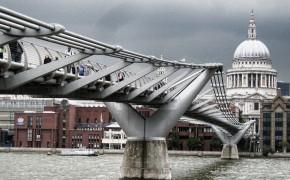 OneMinute - Millennium Bridge