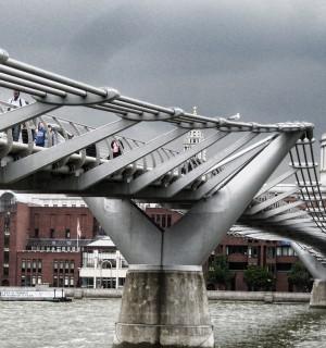 oneminute millennium bridge london